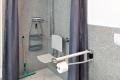 Parkvilla Bad Sassendorf: behindertengerechte Dusche im Bad 1