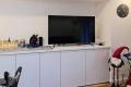 Parkvilla Bad Sassendorf: Großbild-TV im Wohn-Ess-Zimmer